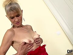 granny penetrated hard in her ass by black man she gets creampied